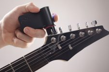 Roadie Guitar Tuner