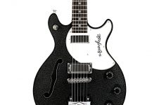 Daisy Rock Bangles signature guitar